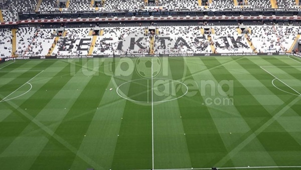 Beşiktaş'tan Vodafone Arena'da derbiye özel zemin