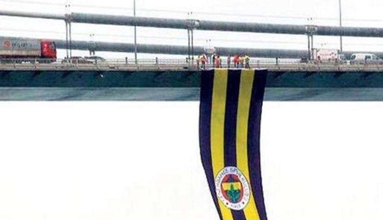 Fenerbahçe bayrağı İstanbul Boğazı'nda dalgalanıyor