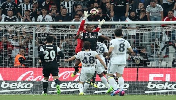 Fenerbahçe'de Advocaat: 'Kariyerimde böyle bir son yaşamadım!''