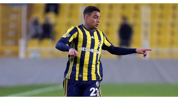 Fenerbahçe'de Advocaat'tan Van der Wiel'a ret!
