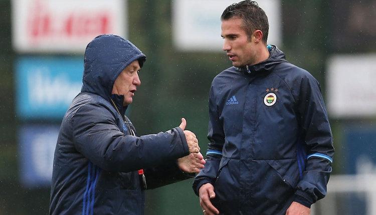 Fenerbahçe'de Robin van Persie, lobiye başladı!