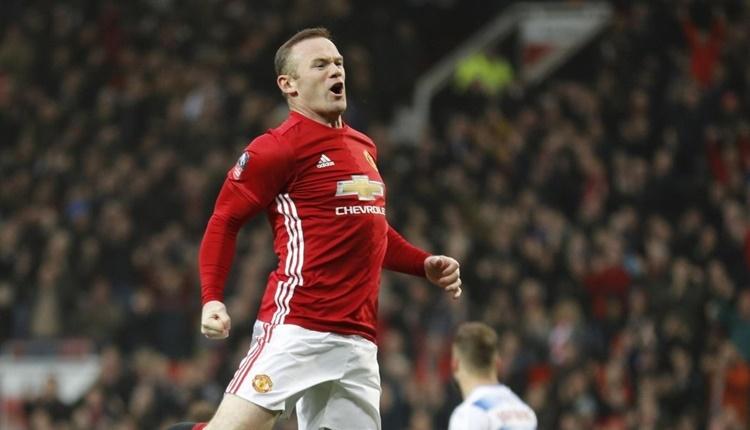 Wayne Rooney, dünya futbol tarihine geçti