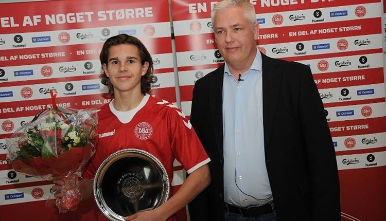 Ajax, 17 yaşındaki Jensen'i transfer etti