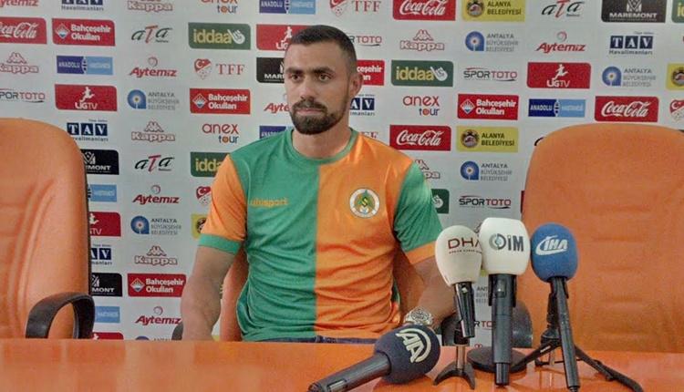 Alanyaspor yeni transferi Giannis Maniatis'e imza attırdı