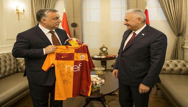 Başbakan Binali Yıldırım'dan Galatasaray forması