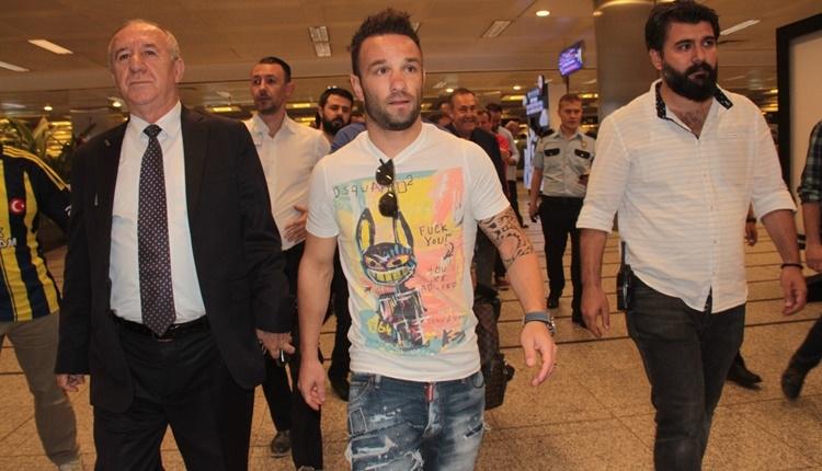 Fenerbahçe'nin transferi Mathieu Valbuena'nın bonservisini Lyon açıkladı