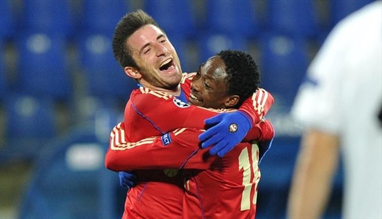 Galatasaray transferde Zoran Tosic ile anlaşmaya çok yakın