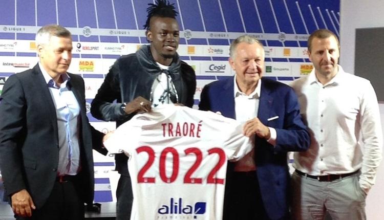 Galatasaray'ın istediği Bertrand Traore'yi Lyon transfer etti