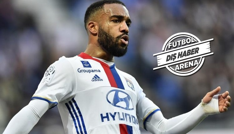 Arsenal'in transferi Alexandre Lacazette imzalıyor