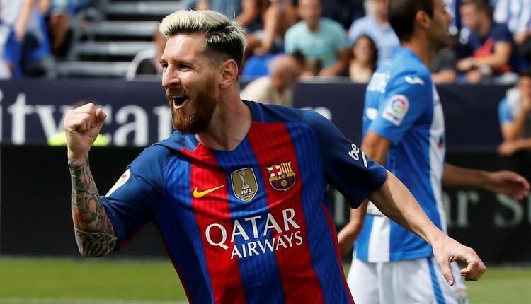 Barcelona, Lionel Messi ile imzaladı