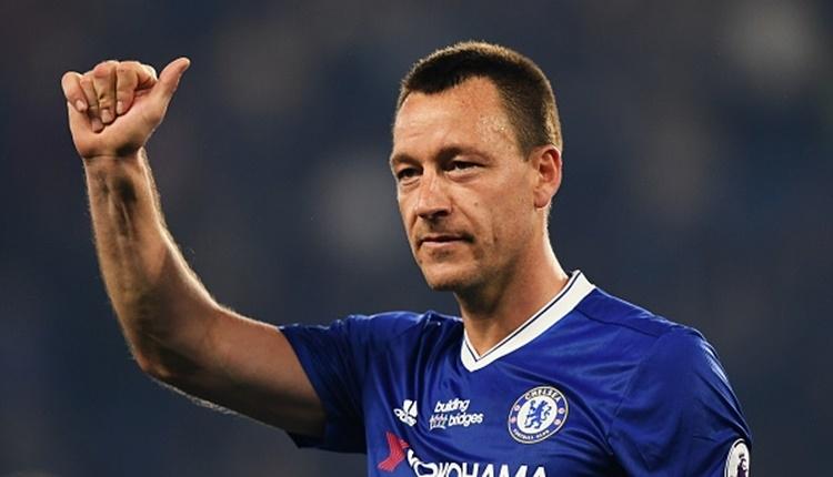 Chelsea'dan ayrılan John Terry, Aston Villa'ya transfer oldu