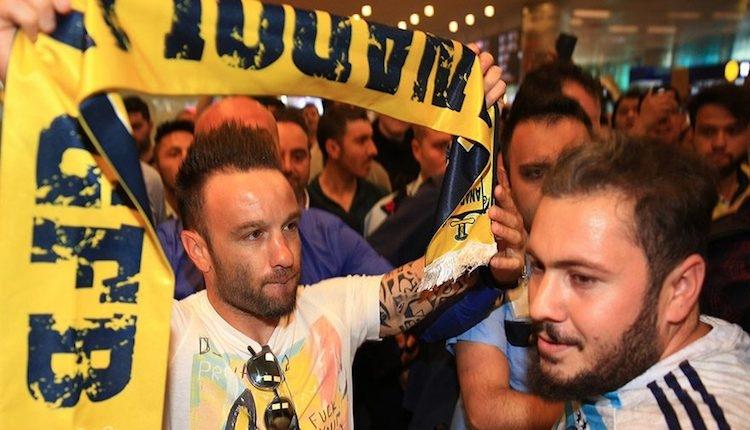 Fenerbahçe yeni transferleri UEFA listesine yazdırabilecek mi?
