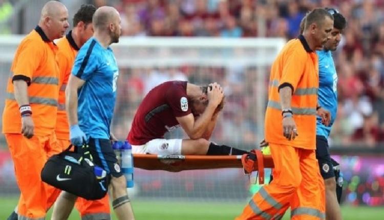 Galatasaray'dan Sparta Prag'a transfer olan Semih Kaya'nın ayağında kırık