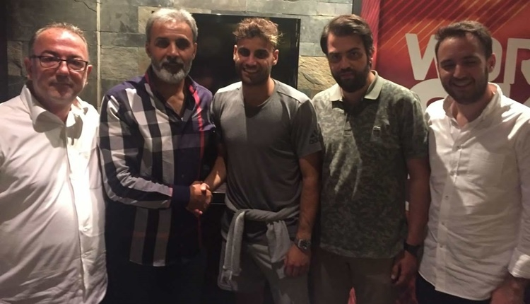 Kayserispor'da Deniz Türüç sözleşme imzaladı