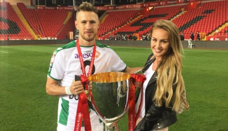 Konyaspor oyuncusu Wolverhampton'a transfer oldu