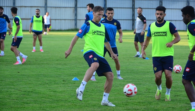 Ankaragücü Anton Putsila transferini bitirdi