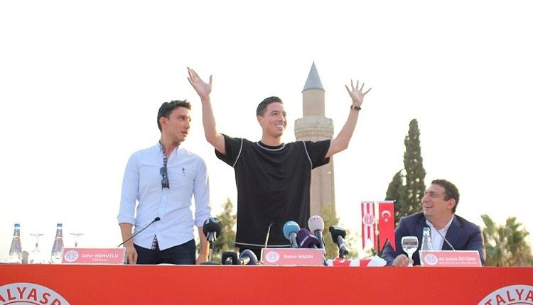 Antalyaspor'un yeni transferi Nasri'den imza töreninde İstanbul göndermesi