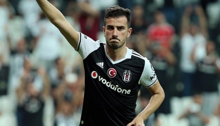 Beşiktaş taraftarından Oğuzhan Özyakup'a destek