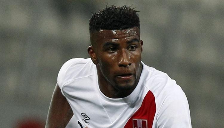Beşiktaş'a transferde Perulu stoper Carlos Ascues