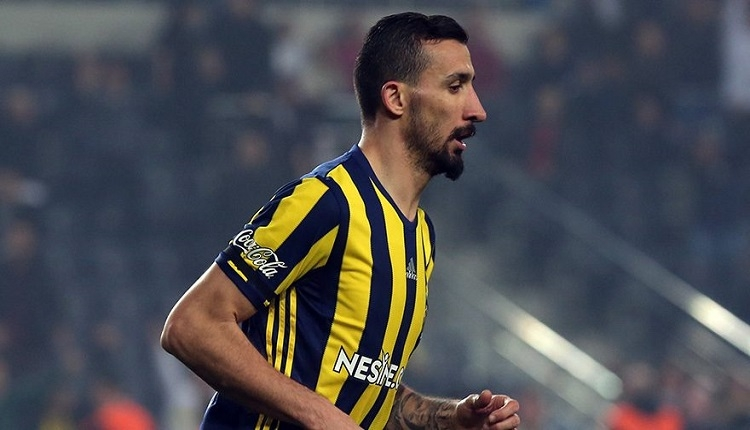 Fenerbahçe'de Cagliari maçında Mehmet Topal baygınlık geçirdi