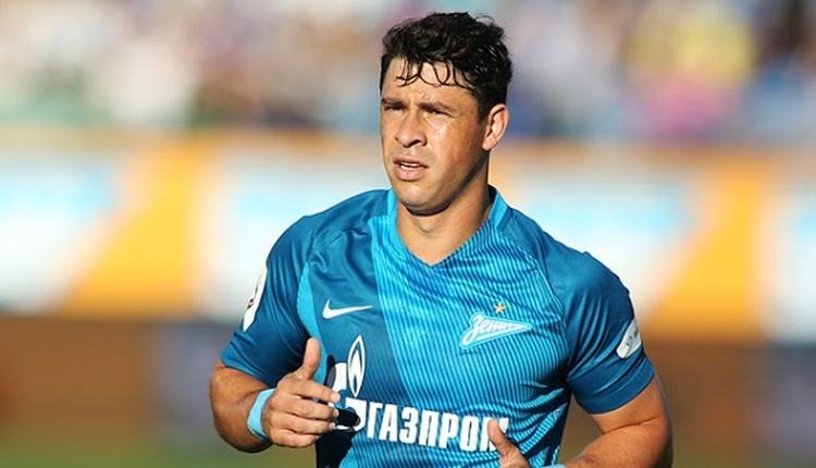 Fenerbahçe'de transferde Guiliano ile imza aşaması