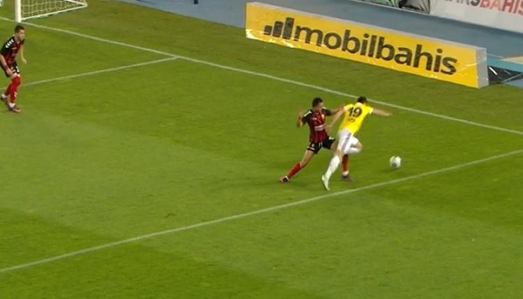 Fenerbahçe'de Vardar maçında Şener'in penaltı isyanı