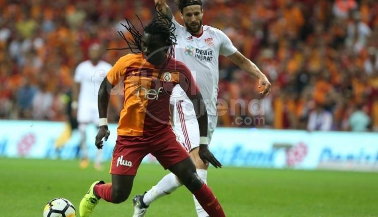 Galatasaray'da Gomis ve resmi hesap Sivasspor maçında ofsayt düdüğünü duymayınca...