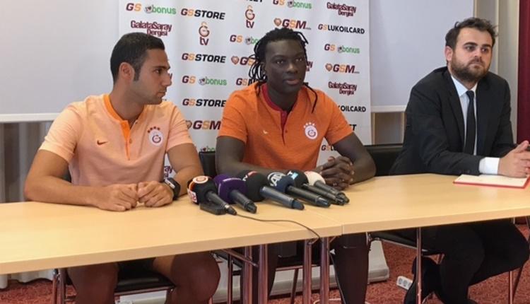 Galatasaray'da Gomis'ten Negredo'ya gönderme