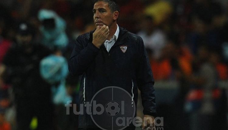 Sevilla teknik direktörü Berizzo, Adebayor'dan özür diledi