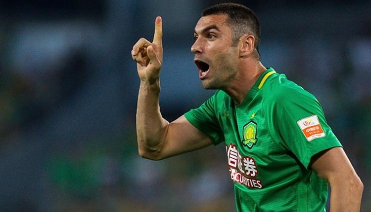 Trabzonspor'un transferi Burak Yılmaz formayı giydi