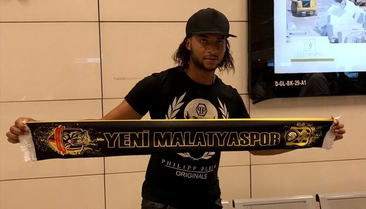Yeni Malatyaspor, Arturo Mina transferini bitirdi