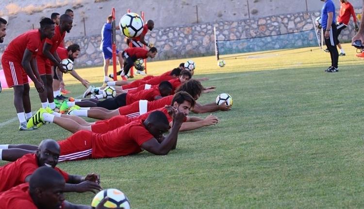 Yeni Malatyaspor'da Ertuğrul Sağlam'dan futbolcularına