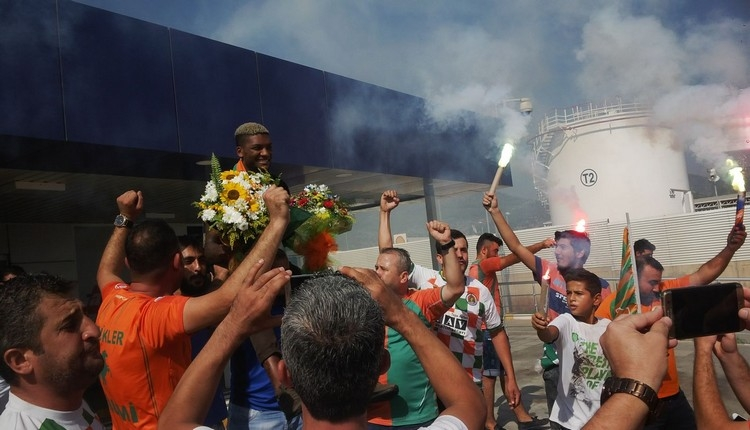 Alanyaspor'da Fernandes'e coşkulu karşılama