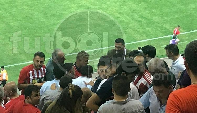 Antalyaspor - Galatasaray maçında VİP tribünü karıştı