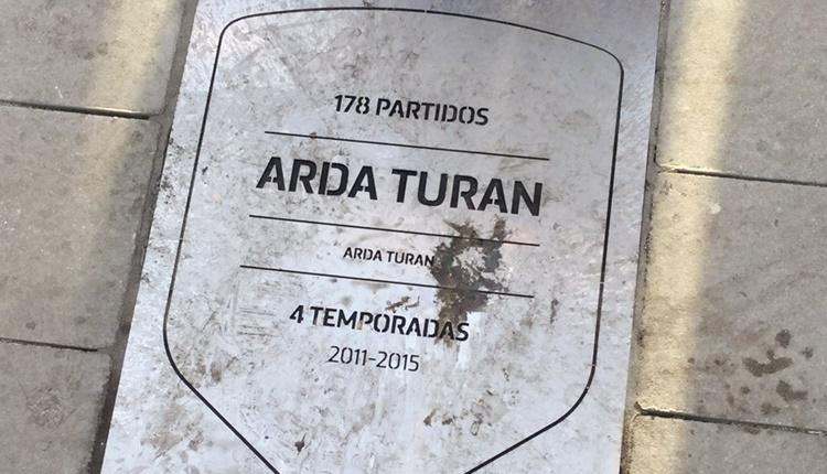 Arda Turan'a Atletico Madrid'ten büyük onur