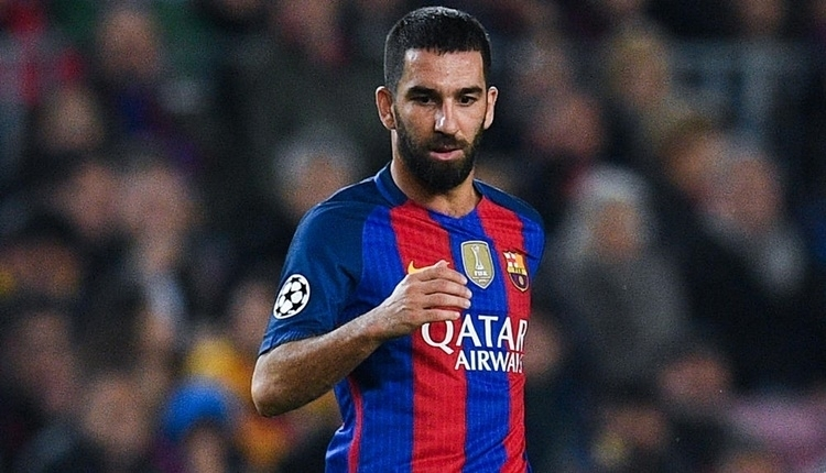 Barcelona'da kadroya alınmayan Arda Turan maç günü keyif yaptı