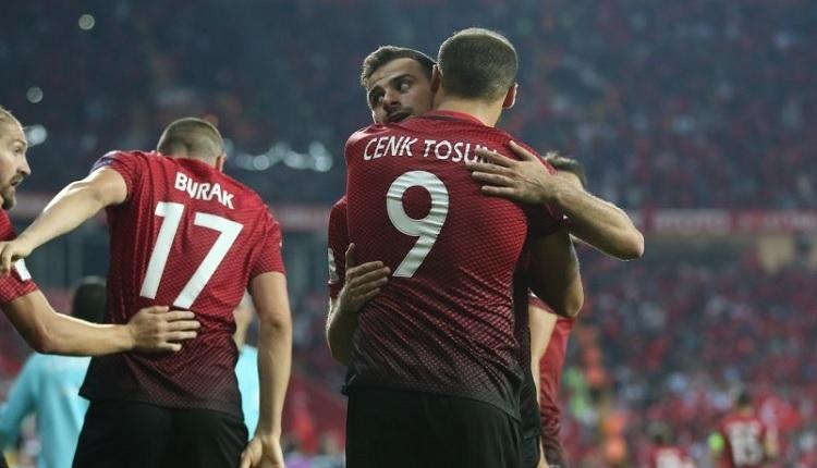 Beşiktaşlı Cenk ve Oğuzhan'a canlı yayın sürprizi!