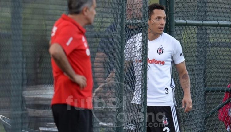 Beşiktaş'ta Adriano'nun sakatlığında son durum
