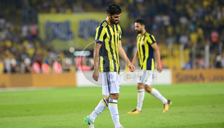 Fenerbahçe Beşiktaş derbisinde Luis Neto'ya kırmızı kart