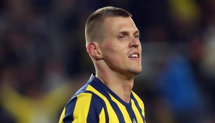 Fenerbahçe'de Skrtel şoku! Akhisar maçında ikinci kırmızı...