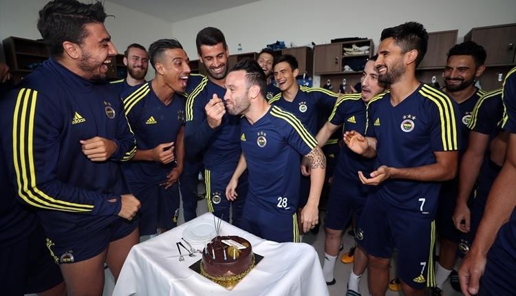 Fenerbahçe'de Valbuena'nın doğum günü kutlandı