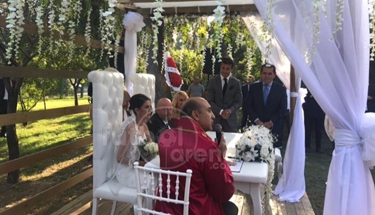 Galatasaray Başkanı Dursun Özbek ve Bülent Korkmaz nikah şahidi oldu