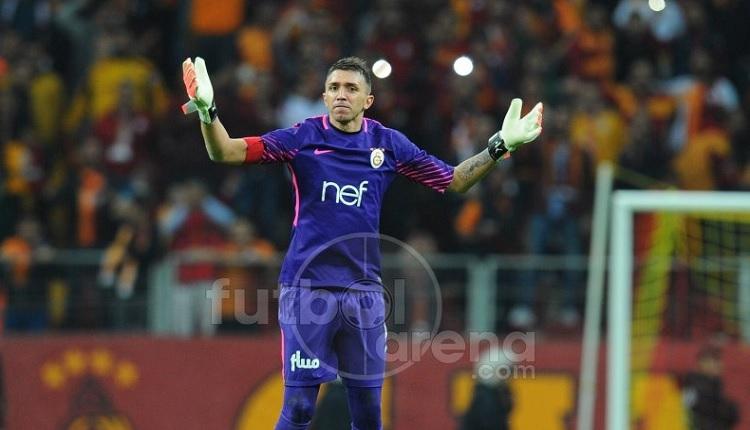 Galatasaray'da Muslera'dan hakem isyanı: