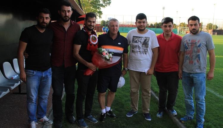 Gençlerbirliği taraftarından Mesut Bakkal'a destek