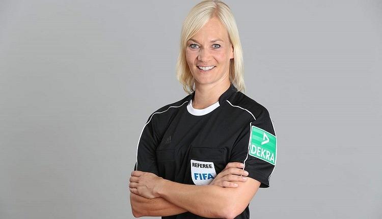 Hertha Berlin - Werder Bremen maçına kadın hakem Bibiana Steinhaus atandı