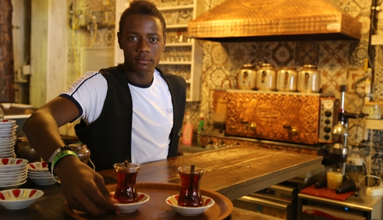 Konyaspor'u hedefleyen 'Konyalı Pogba' etli ekmek bağımlısı
