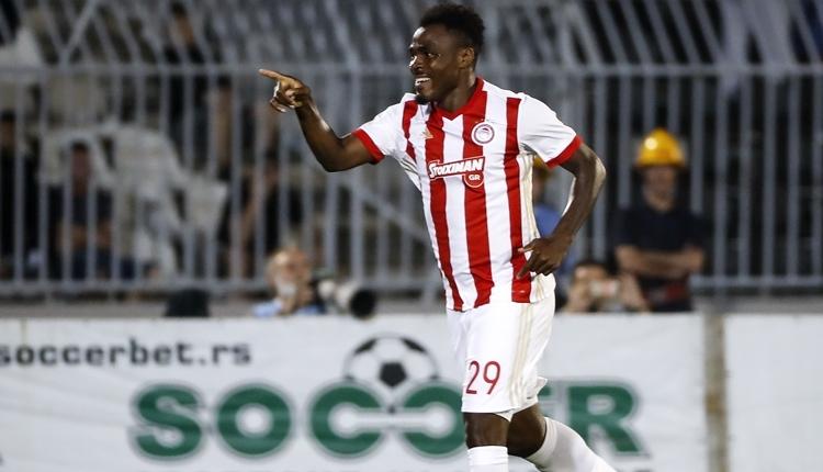 Olympiakos, Emenike'nin golleriyle kazandı (İZLE)