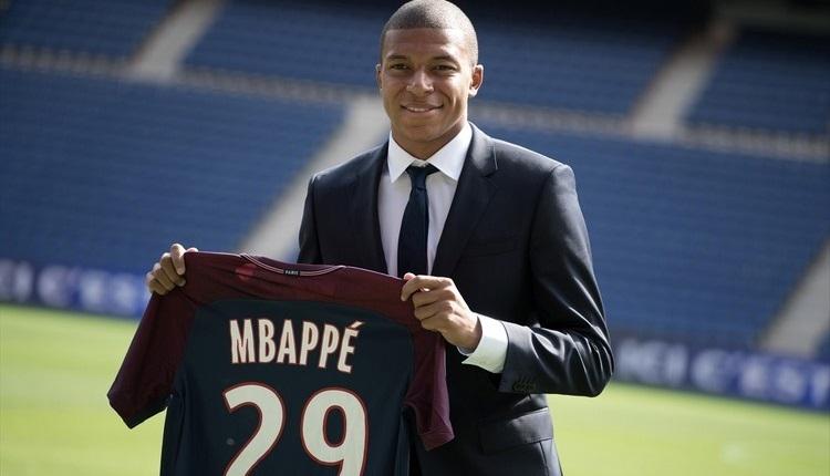 PSG'de Kylian Mbappe imzayı attı