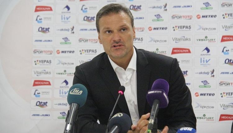 Samsunspor'da Alpay Özalan'dan istifa cevabı! 'Utanıyorum'