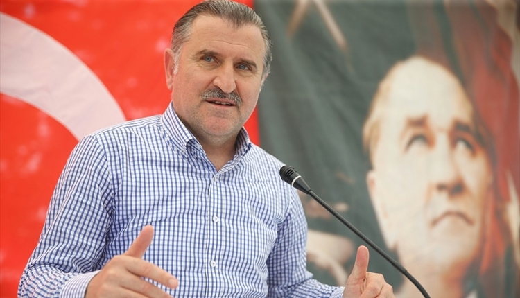 Spor Bakanı Osman Aşkın Bak'tan yabancı sınırı açıklaması
